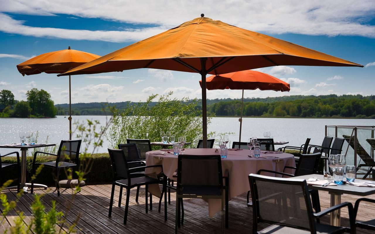 Restaurant of the luxury hotel in Picardie