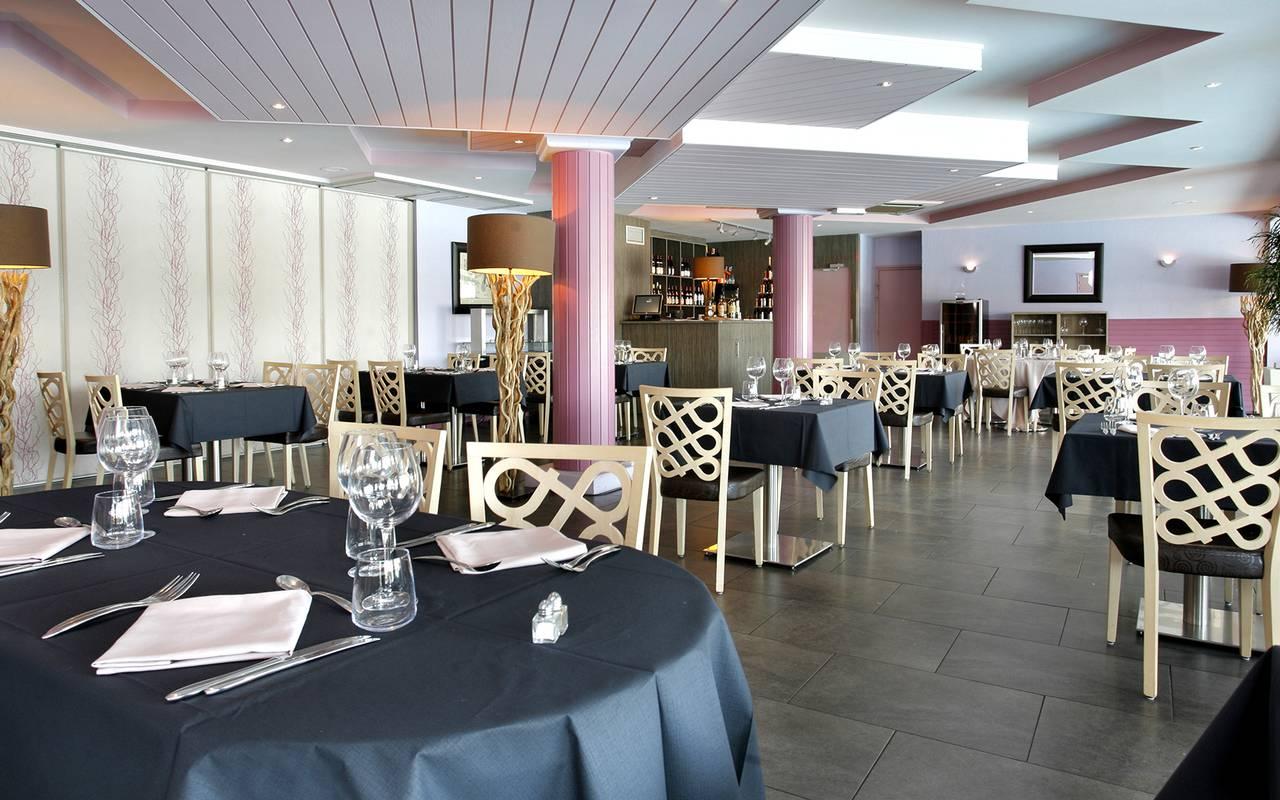 Restaurant room of the luxury hotel in Picardie