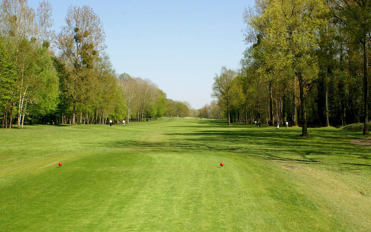Golf of the luxury 4-star hotel in Reims