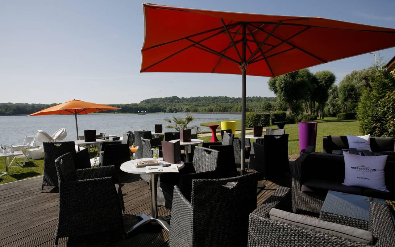 Sunny terrace hotel Laon