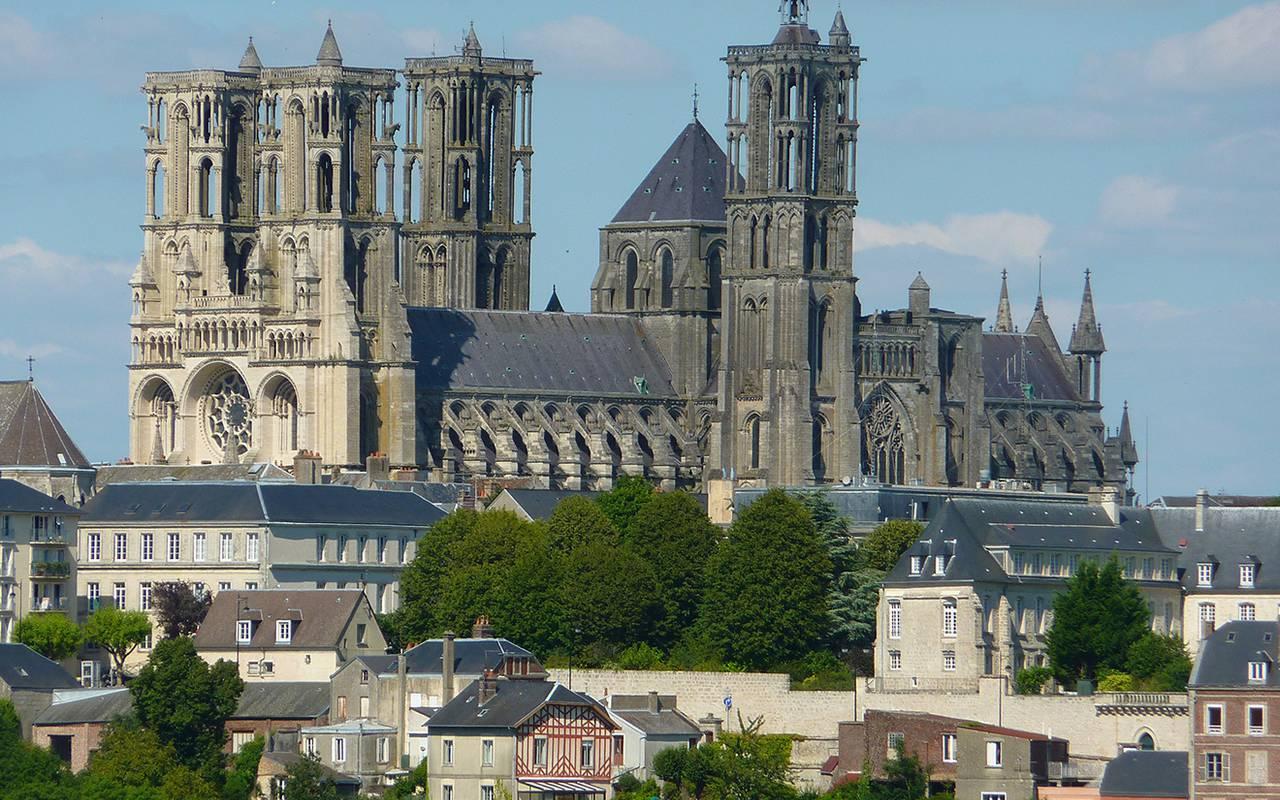 Cathédrale proche de l'hôtel de charme en Picardie