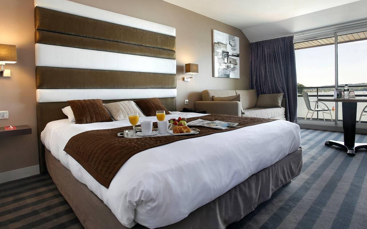 Chambre élégance de l'hôtel 4 étoiles à Reims