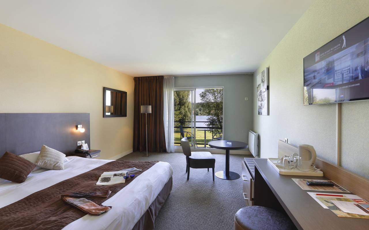 Chambre maronné, hôtel de charme avec piscine en Picardie