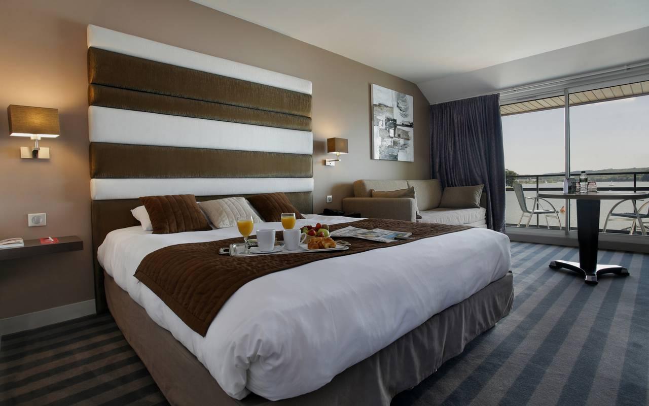 Chambre élégance de l'hôtel de luxe en Picardie