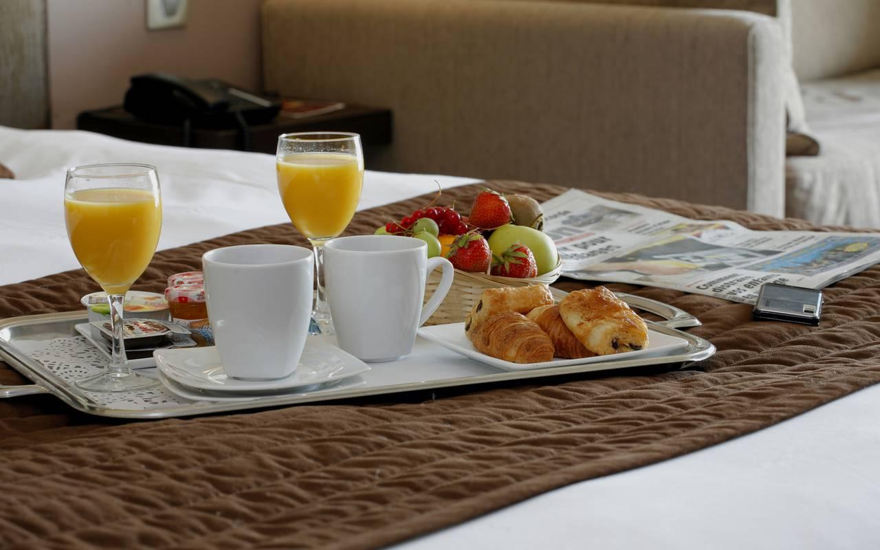 Petit-déjeuner room service, hôtel 4 étoiles en Picardie