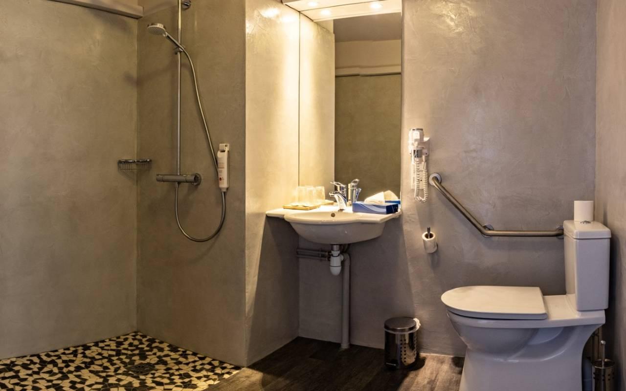 Salle de bain chic hôtel du golf de l'ailette