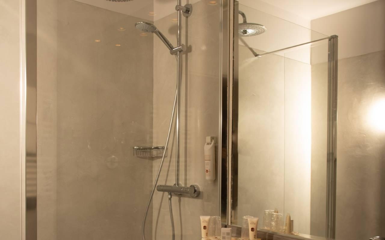 hotel spa reims chambre standard chambre avec terrasse. Black Bedroom Furniture Sets. Home Design Ideas